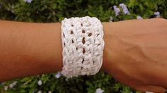 Debora Alves- Crochê: Pulseira de crochê em couro (crocheted bracelet)