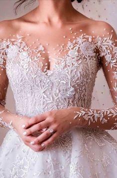 Wedding dress Wedding and reception preparing; Top Wedding Dresses, Cute Wedding Dress, Wedding Dress Trends, Princess Wedding Dresses, Bridal Dresses, Wedding Gowns, Wedding Ideas, Wedding Dress Sleeves, Boho Wedding