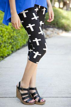 Cross Print Capri Leggings | White Plum
