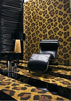Leopard tiles + leopard print walls = AMAZING<3