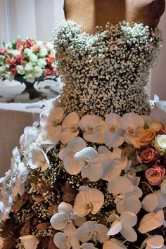 Todich-Floral-Design-National-Wedding-Show-2013-Flowerona-1