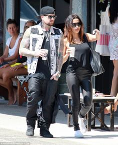 Eliza who? Benji Madden moves on from Doolittle romance as he debuts new mystery girlfriend in Australia. He's spoken candidly about his love for Australia, and now Benji Madden's sharing his appreciation for the country with his new love interest. Taking a break from tour rehearsals, the Good Charlotte rocker enjoyed a coffee with his mystery girlfriend in Bondi.But one thing that was obvious about his lady friend, was her likeness to his ex Eliza Doolittle.The British songstress started…