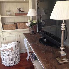 #Repost @annelineik  Så fornøyd med mitt nye TV-bord fra @classicliving  superfint bord! Og god service!   Ønsker alle en fin ettermiddag !