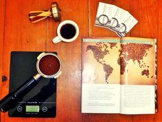 A R O M A  D I  C A F F É  Te invitamos a disfrutar la aventura de recorrer los tradicionales sabores del mejor café.  #AromaDiCaffé  Especie: Arábica. Variedad: Catuay-Caturra. Origen: Boconó Edo. Trujillo. Altura: 1400 msnm. Proceso: 100% lavado. Tostado: Medio. Perfil de taza: Cuerpo elevado acidez media y aromas frutales.  #MomentosAroma #SaboresAroma #ExperienciaAroma #Caracas #MejoresMomentos #Amistad #Compartir #Café #CaféVenezolano #Coffee #CoffeePic #CoffeeLovers #CoffeeCake…