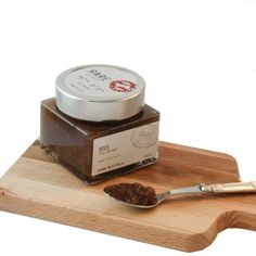 Fig and walnut premium jam - One of most known and loved combinations of jam a little bit around the world would be Fig and walnut jam. And why not? Two amazing ingredients that worked together and pair with many cheeses and as well with deserts and savory dishes. Feel the seeds of the fig with the crunchiness of the walnut in one taste of full natural flavours