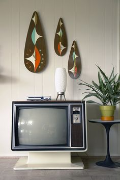 My parents offered to give me the old television from my nana and papa's house. It was the one thing they brought with them from England in the late 50s. I want to put it in the living room and put the flat screen in the basement with the Trinitrons.