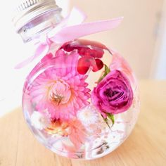 Dried And Pressed Flowers, Perfume, Flower Crafts, Resin Art, Flower Vases, Christmas Bulbs, Pink, Bottle, Holiday Decor