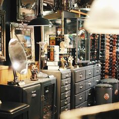 If you like Dulton's product (Dulton.com) you would love this store in #Osaka called Translankhe. Not much #stationery but lots of nice home interior objects with inspirations from garden/rawness/vintage. I love their cabinet, eyeglasses, wooden trays and