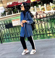 # Is gençteset – Hijab Clothing & Fashion Hijab Chic, Hijab Elegante, Hijab Style, Casual Hijab Outfit, Hijab Fashionista, Muslim Girls, Muslim Women, Muslim Fashion, Modest Fashion