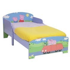 Cama infantil Peppa Pig. #PeppaPig #mueblesPeppaPig #adelantatealaNavidad Preciosa cama de Peppa Pig para los peques. Tiene un tamaño de 140x70cm, viene con somier . ( No incluye la mesita de colgar ni los cajones.) Está fabricado en MDF lacado. A tu peque le encantará dormir en su camita con Peppa!!! Es ideal para la transición de la cuna a la cama! http://www.licenciasinfantiles.es/p.7754.0.0.1.1-cama-infantil-peppa-pig.html