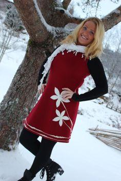 Nydelig ullkjole med blomster Christmas Sweaters, Inspiration, Fashion, Biblical Inspiration, Moda, La Mode, Christmas Jumper Dress, Christmas Jumpers, Fasion