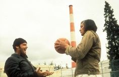 """Jack Nicholson as Randle Patrick """"Mac"""" McMurphy and Will Sampson as Chief Bromden in One Flew Over the Cuckoo's Nest (1975)"""