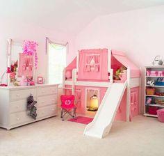 Letti a castello con scivolo - Cameretta rosa e bianca