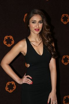 Ileana looking sexy & glamarous in black dress + other HQ pics! Old Bollywood Movies, Bollywood Girls, Cute Beauty, Beauty Full Girl, Beautiful Girl Indian, Beautiful Indian Actress, Hot Actresses, Indian Actresses, Ileana D'cruz Hot