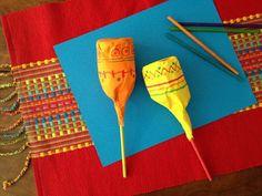 Cinco de Mayo craft- maracas to make- #cincodemayo #maracas #kidscrafts