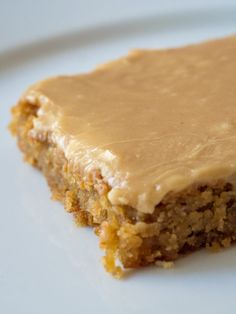 Peanut Butter Lunch Lady Cookie Bars – Crafty House Peanut butter is the perfect sweet and salty combination. Sheet pan cookies really make it shine! Peanut Butter Sheet Cake, Peanut Butter Cookie Bars, Peanut Butter Desserts, Peanut Butter Frosting, Chocolate Frosting, Chocolate Cake, Peanut Butter Squares, Easy Peanut Butter Cookies, Peanut Recipes