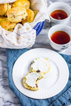 Orange Dark Chocolate Scones take just 22 minutes to prepare from start to finish. Your friends and family will love this easy recipe. Cucumber Tea Sandwiches, Finger Sandwiches, Strawberry Crepes, Strawberry Sauce, Vanilla Scones Recipes, Bread Recipes, Tutu Cakes, Dark Chocolate Orange, British Desserts