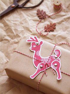 DIY Holiday Paper Reindeer Postcard & Tag » Eat Drink Chic