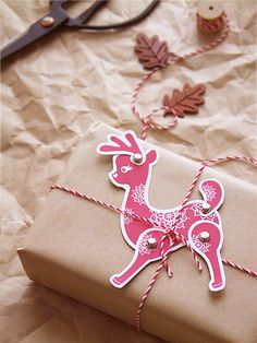 free printable for this cute, moveable reindeer.
