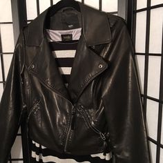 ❤️Super cute barely worn black vegan leather jkt❤️ Cute vegan leather jacket with silver hardware & zippered pockets. No obvious wear or damage Mossimo Supply Co. Jackets & Coats
