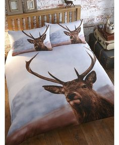 This stunning Stag Double Duvet Cover and Pillowcase Set features a beautiful photographic style image of a majestic stag.
