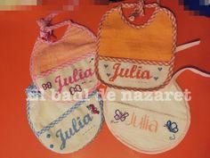 Nuevos baberos de punto de cruz Julia =)  www.facebook.com/lasideasdenaza