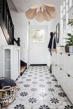 Private visit: a classically decorated house in a bohemian chic style for … – Home accessories Flur Design, Tile Design, Deco Boheme Chic, Style Deco, Beautiful Interiors, Home Decor Inspiration, Home Goods, Sweet Home, New Homes