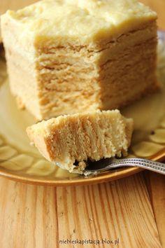 Delicious Honey Cake / Doskonalec (in Polish) Polish Desserts, No Bake Desserts, Delicious Desserts, Yummy Food, Baking Recipes, Cake Recipes, Dessert Recipes, Polish Cake Recipe, Pumpkin Cheesecake