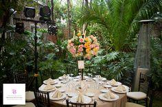 Encantadores centro de mesa por www.bougainvilleabodas.com.mx – Wedding Planner en San Miguel de Allende.