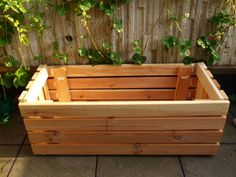 Insanely Creative Things People Have Made from IKEA Bed Slats- worth keeping my eyes peeled for cast offs. Ikea Planters, Outdoor Planter Boxes, Wooden Planters, Planter Ideas, Cama Ikea, Bed Slats Upcycle, Ikea Bed Slats, Ikea Platform Bed, Hacks Ikea