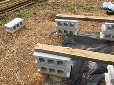予算3万円でも見栄えよし。DIYウッドデッキのシンプルな作り方   くらのら Diy Deck, Easy Diy, Patio, Wood, Outdoor Decor, House, Home Decor, Green, Decoration Home