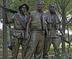 The Three Soldiers' -- Vietnam War Memorial Washington (DC)