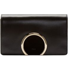 Chloé Gabrielle Black Leather Clutch (21.750 ARS) ❤ liked on Polyvore featuring bags, handbags, clutches, chloe, purses, black, chloe purses, genuine leather purse, leather purses and leather man bags