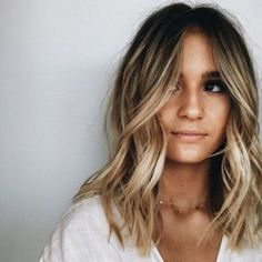 haar inspo , – ihr inspo, – Related posts: 25 New Balayage Hair Ideas To Try This Summer 45 Best Balayage Hairstyles for Straight Hair for 2019 55 Blonde Balayage Hair Styles Looks to Envy 32 amazing ideas for Balayage hair 2017 Hair Color Balayage, Hair Highlights, Short Balayage, Color Highlights, Blonde Highlights On Dark Hair Short, Blonde Hair With Dark Roots, Dark Roots Blonde Hair Balayage, Bronde Lob, Balayage Diy