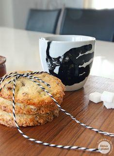 coffee mug idea Planets, Coffee Mugs, Muffin, Breakfast, Food, Crafts, Morning Coffee, Manualidades, Muffins