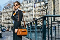 How to Update Your Black Basics - Street Style, Brown Accessories, Outfit Ideas Fashion Over, Boho Fashion, Autumn Fashion, Paris Fashion, Pinup Art, Blake Lively, Kai, Khadra, Pin Up