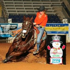 Cowboy And Cowgirl, Cowboy Hats, Cowboy Images, Barrel Racing Horses, Texans, Horse Stuff, Cowgirls, Rodeo, Cowboys