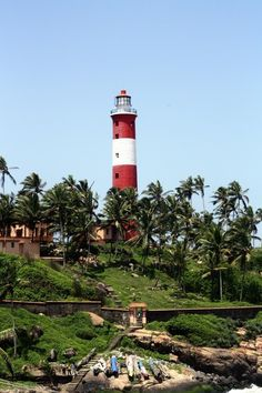 Lighthouse, Kovalam Thiruvananthapuram, Kerala @SunshineBaba |