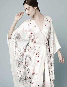 Meng and their wonderful kimono : discover luxury loungewear !