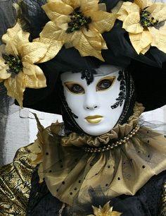 Venetian masqurade black & gold