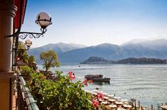 The Grand Hotel Tremezzo, luxury 5 star hotel has a panoramic view of Lake Como. It also offers a spa and a very fine restaurant for a pleasant stay. Menorca, Villas, Comer See, Neuschwanstein, Italian Lakes, Northern Italy, Lake Como, Honeymoon Destinations, Grand Hotel