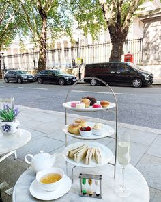 Friday in London, do you want a Traditional Afternoon Tea with a view of the British Museum? Join us at our Tea House in Bloomsbury area where you can find the very best of Camellia's tea blends, tea-infused sandwiches, artisan handmade pastries and sweet treats.