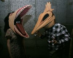 Everybody born in the will appreciate this craftwork created by artist Ian Austin: two hand-made masks representing the couple The Maitlands from legendary movie Beetlejuice by Tim Burton. Space Ghost, Halloween Costume Contest, Creative Halloween Costumes, Costume Ideas, Halloween Ideas, Halloween 2017, Awesome Costumes, Cosplay Ideas, Halloween Decorations