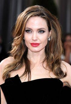 Más bonitos peinados de las celebridades de todos los tiempos - http://losmejorespeinados.com/mas-bonitos-peinados-de-las-celebridades-de-todos-los-tiempos/
