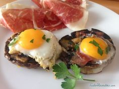 TudoReceitas.com - Receita de Cogumelos recheados com ovo de codorna - Fácil