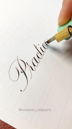 Brush Lettering Worksheet, Calligraphy Worksheet, Copperplate Calligraphy, Hand Lettering Practice, Hand Lettering Tutorial, Hand Lettering Alphabet, Calligraphy Pens, Penmanship, Calligraphy Writing Styles