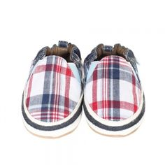 Robeez Soft Soles Nate - Robeez Nate Soft Soles is one of our favorites for Spring 2014. Inspired by trends in men's footwear, this soft sole has a plaid canvas upper in red, brown and white. Navy twill taping connects the upper to the sole. - See more at: http://www.babyandbeyond.ca/product.php?productid=7740&cat=196&page=1#sthash.2tOwpYFb.dpuf