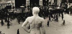 La censura fascista in Italia, consistente nella limitazione della libertà di espressione tramite il controllo della stampa, della radiodiffusione e della parola, nella repressione della libertà di associazione, di assemblea, di religione, si andò estendendo e rafforzando progressivamente durante l'era fascista (1922-1943) che istituì progressivamente, a iniziare dal 1924, uno stato di polizia dove i cittadini erano controllati dalla polizia politica (l'OVRA che nacque nel 1930).
