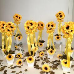 Topiara de Girassol I Sunflower Wedding Decorations, Sunflower Centerpieces, Bridal Shower Decorations, Wedding Flowers, Sunflower Birthday Parties, Sunflower Party, Sunflower Baby Showers, Shower Party, Baby Shower Parties