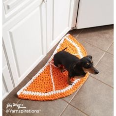 Citrus Slice Crochet Rugs  | Yarnspirations | Free Pattern | Crochet | Lily Sugar 'n Cream